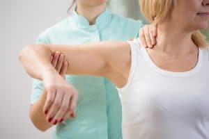 AC Joint Injury Causes, Symptoms & Treatment